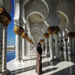 Colleen digital nomad and solo traveler in abu dhabi