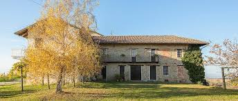 Cascina Brichetto accommodation for women in Langhe Piemonte